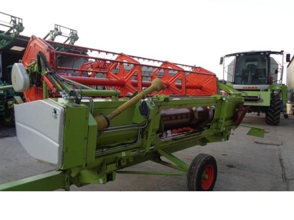 Combine Agricole  Claas Avero 240 combine