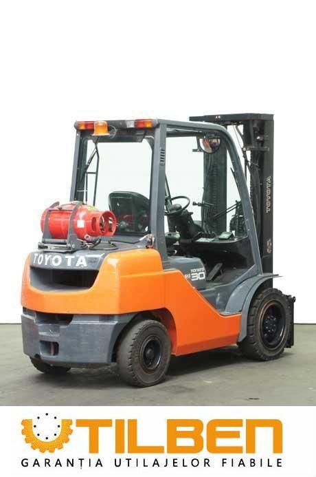 Motostivuitoare Diesel  Toyota 02-8FGF30