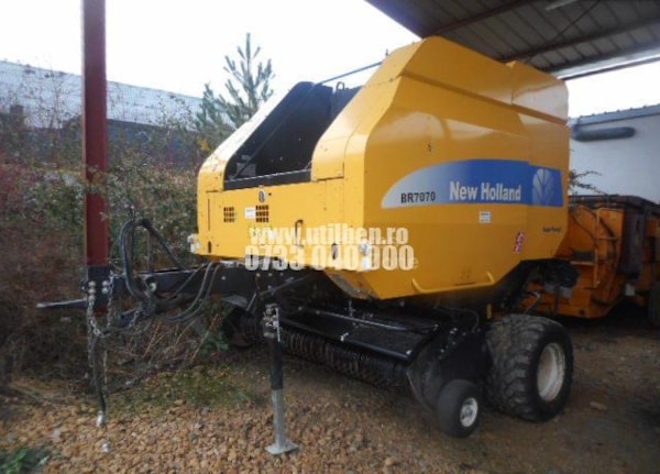 Prese de Baloti  New Holland BR 7070